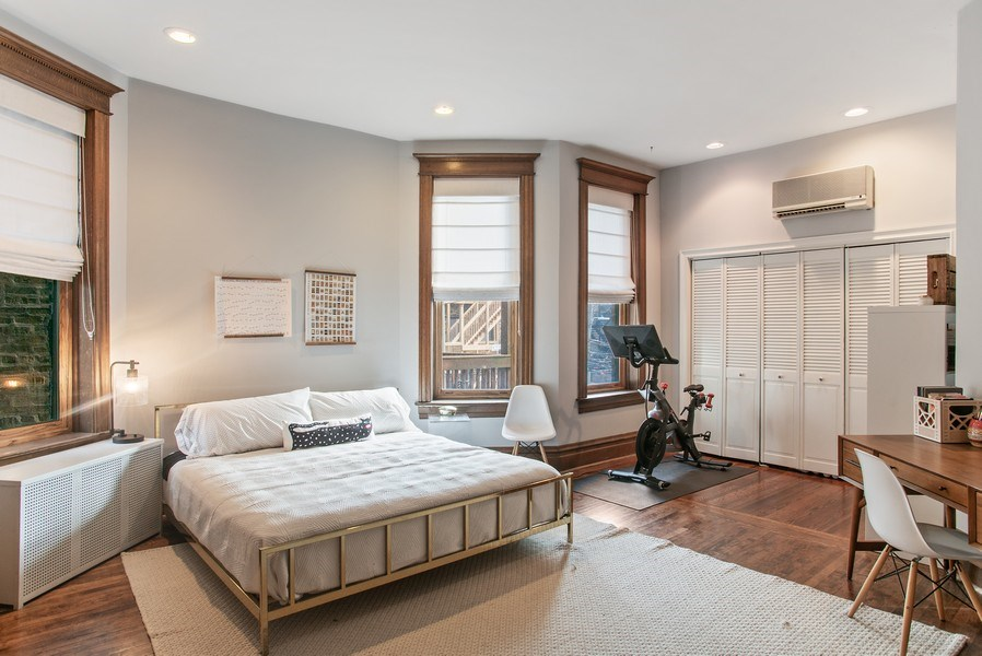 Real Estate Photography - 3618 N Fremont, Unit 2, Chicago, IL, 60613 - Master Bedroom