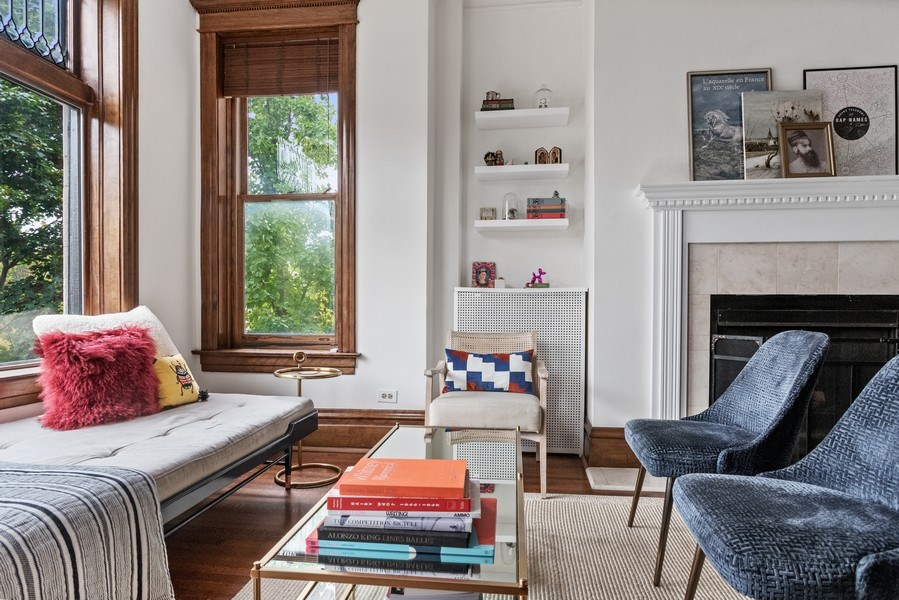 Real Estate Photography - 3618 N Fremont, Unit 2, Chicago, IL, 60613 - Location 22