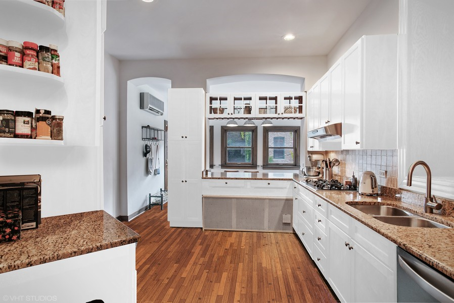 Real Estate Photography - 3618 N Fremont, Unit 2, Chicago, IL, 60613 -