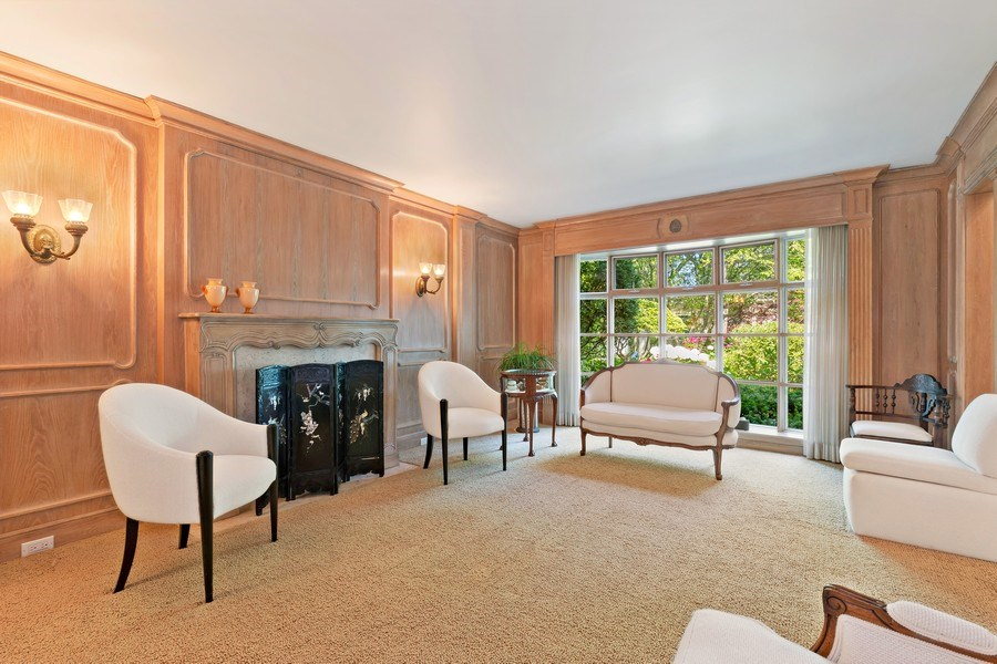 Real Estate Photography - 1682 Cavell, Highland Park, IL, 60035 - Living Room
