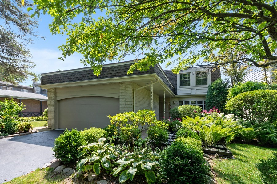Real Estate Photography - 1682 Cavell, Highland Park, IL, 60035 - Front View