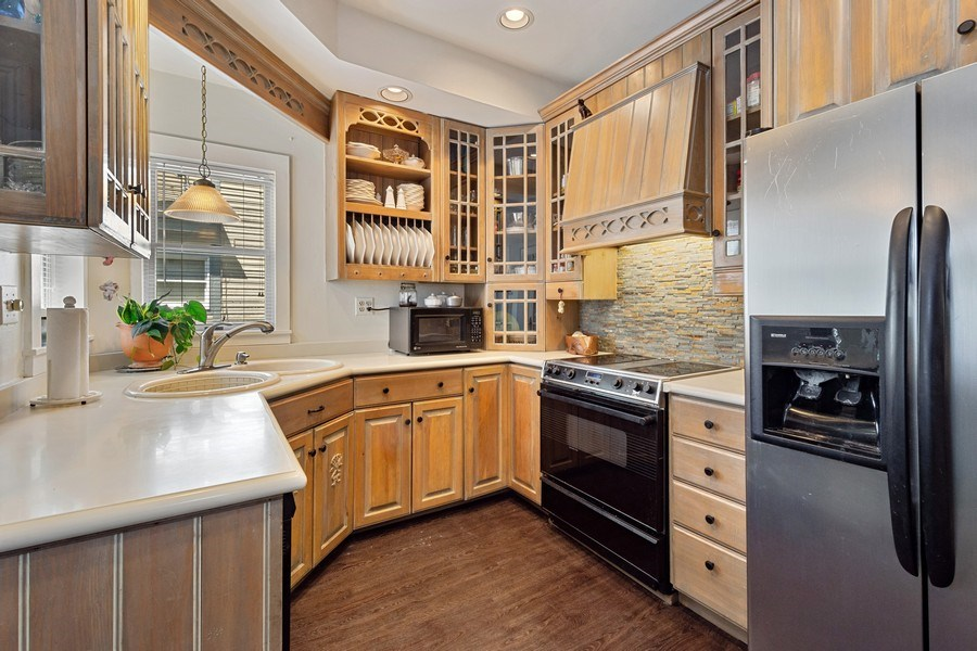 Real Estate Photography - 315 W Lincoln Ave, Barrington, IL, 60010 - Kitchen
