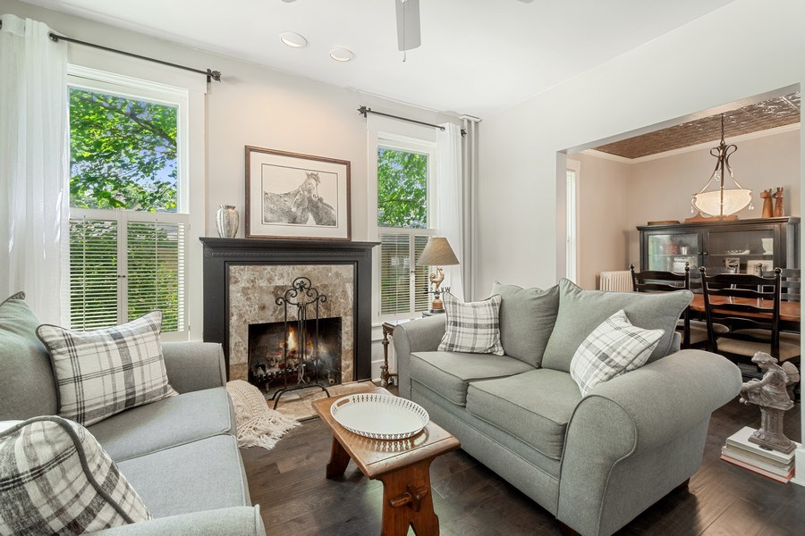 Real Estate Photography - 315 W Lincoln Ave, Barrington, IL, 60010 - Family Room
