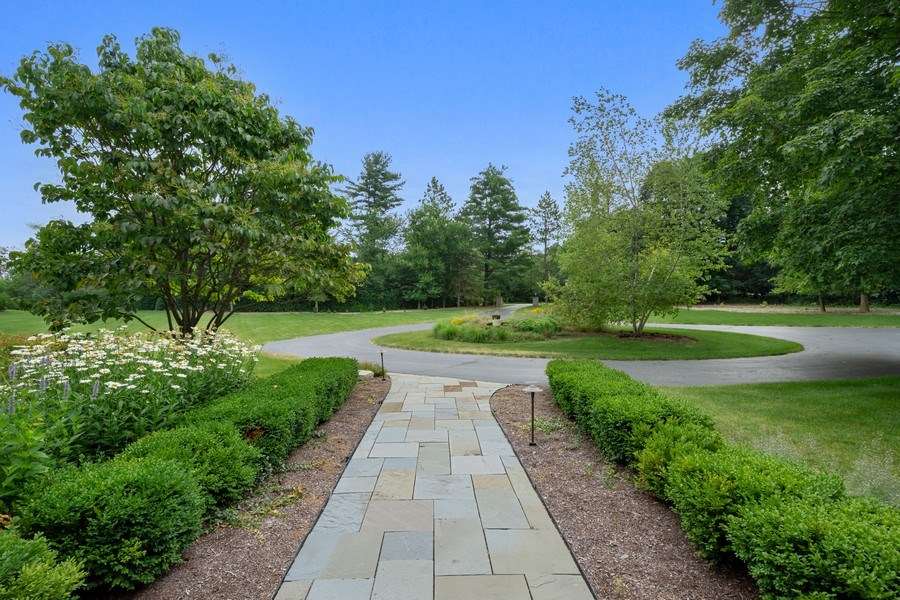 Real Estate Photography - 82 Paganica, Barrington Hills, IL, 60010 - Front Yard