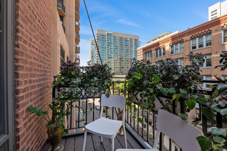 Real Estate Photography - 375 W Erie St, unit 501, Chicago, IL, 60654 - Balcony