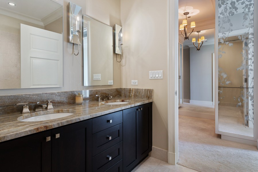 Real Estate Photography - 2550 N Lakeview, S2501, Chicago, IL, 60614 - Master Bathroom