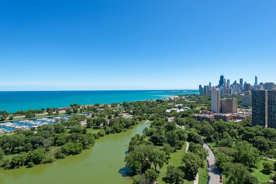 Real Estate Photography - 2550 N Lakeview, S2501, Chicago, IL, 60614 - Southeast View