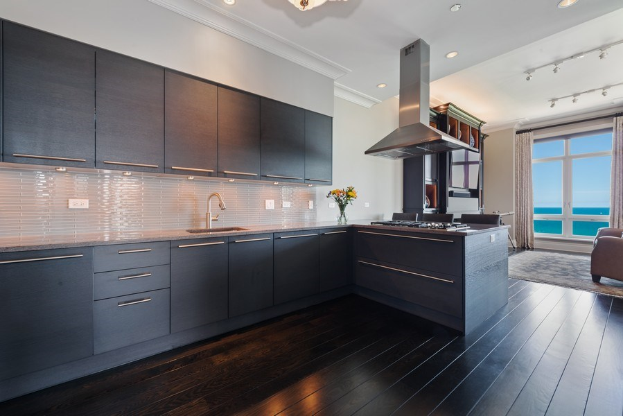 Real Estate Photography - 2550 N Lakeview, S2501, Chicago, IL, 60614 - Kitchen