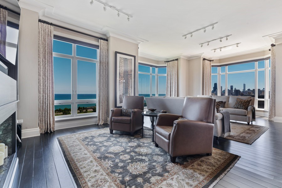 Real Estate Photography - 2550 N Lakeview, S2501, Chicago, IL, 60614 - Family Room