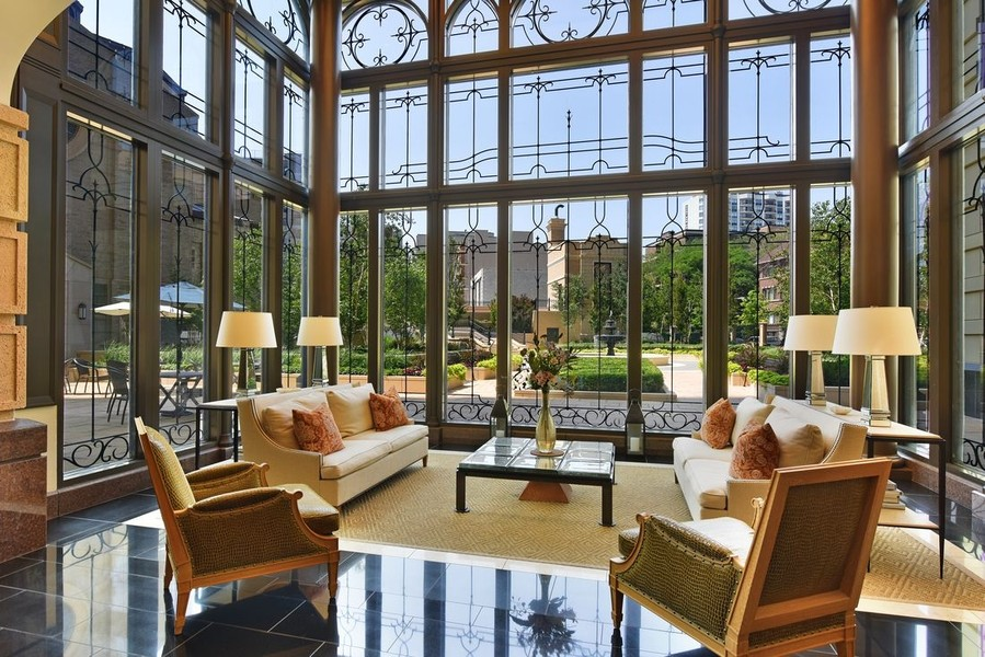Real Estate Photography - 2550 N Lakeview, S2501, Chicago, IL, 60614 - Greenhouse Lobby