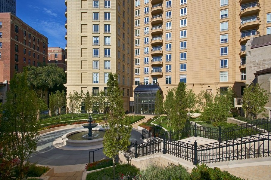 Real Estate Photography - 2550 N Lakeview, S2501, Chicago, IL, 60614 -