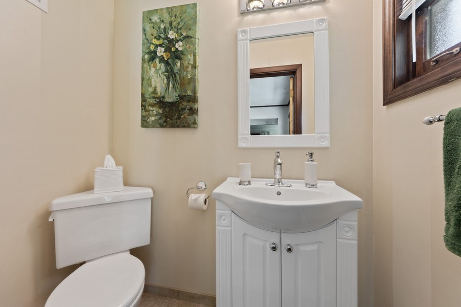 Real Estate Photography - 408 E Thomas, Arlington Heights, IL, 60004 - Powder Room