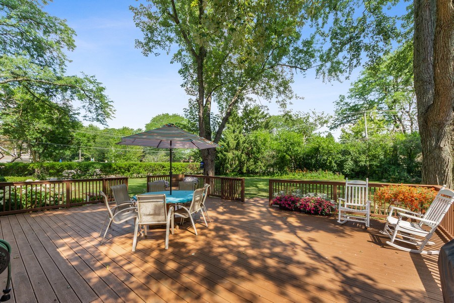 Real Estate Photography - 408 E Thomas, Arlington Heights, IL, 60004 - Deck