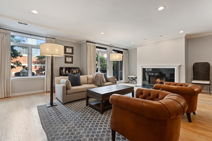 Real Estate Photography - 1414 N Wells, #207, Chicago, IL, 60610 - Living Room