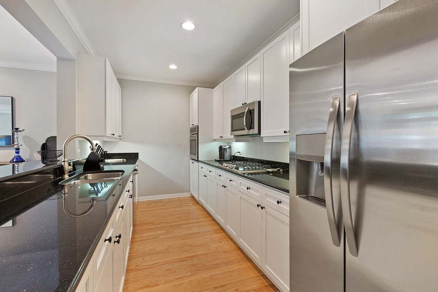 Real Estate Photography - 1414 N Wells, #207, Chicago, IL, 60610 - Kitchen