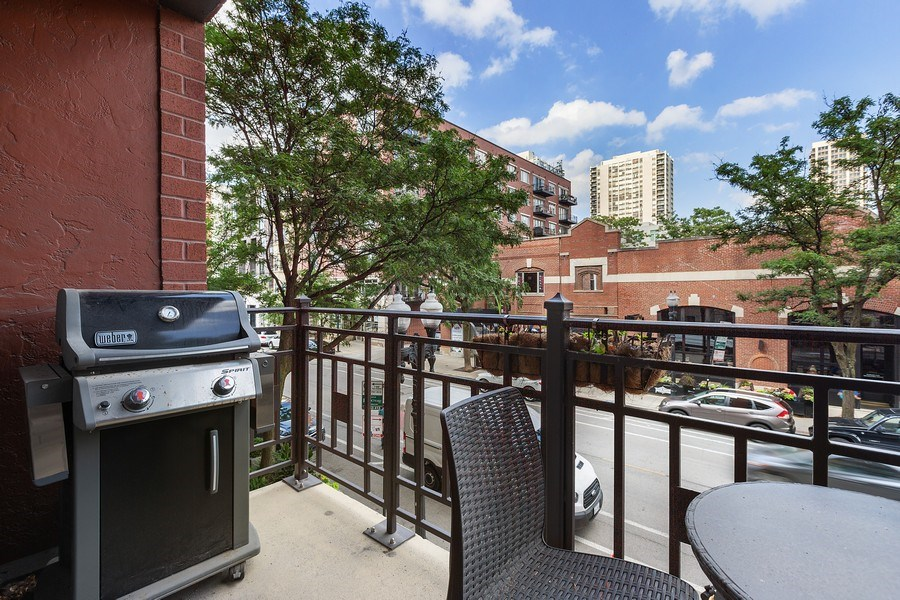 Real Estate Photography - 1414 N Wells, #207, Chicago, IL, 60610 - Balcony