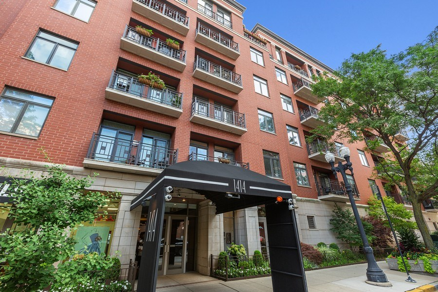 Real Estate Photography - 1414 N Wells, #207, Chicago, IL, 60610 - Front View