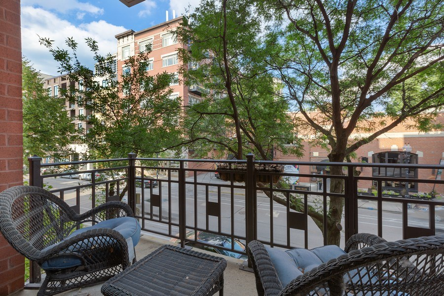 Real Estate Photography - 1414 N Wells, #207, Chicago, IL, 60610 - Deck