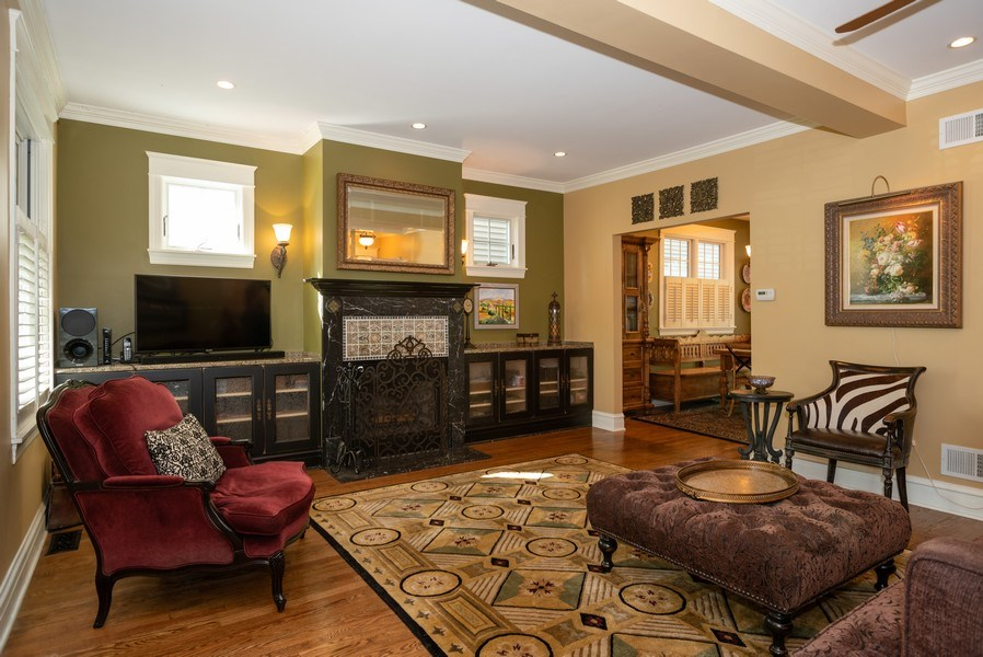 Real Estate Photography - 4108 N Oakley, Chicago Ill, IL, 60618 - Living Room