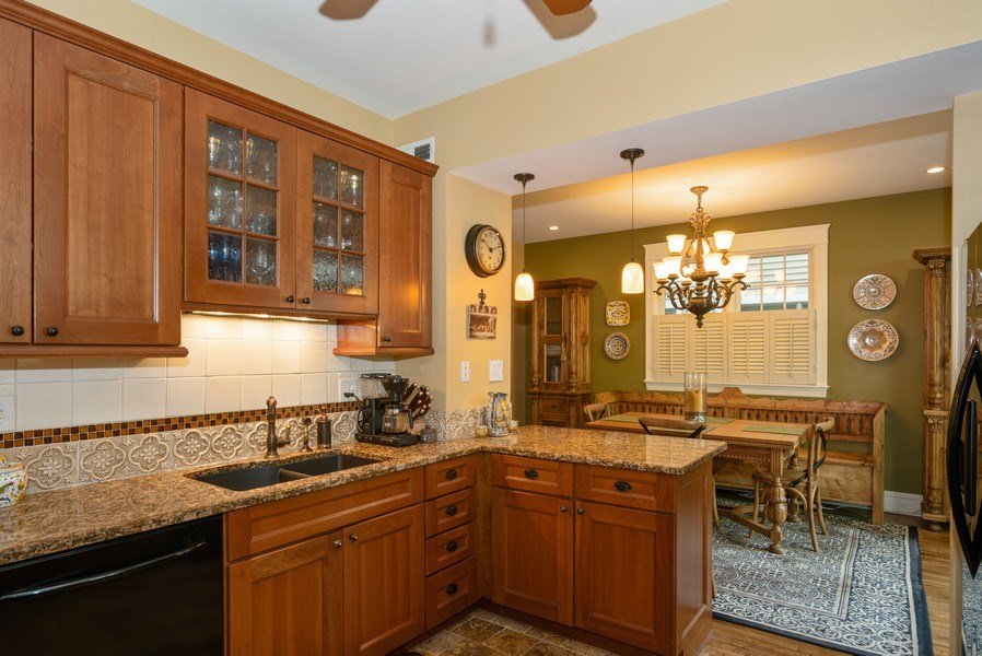 Real Estate Photography - 4108 N Oakley, Chicago Ill, IL, 60618 - Kitchen/Dining