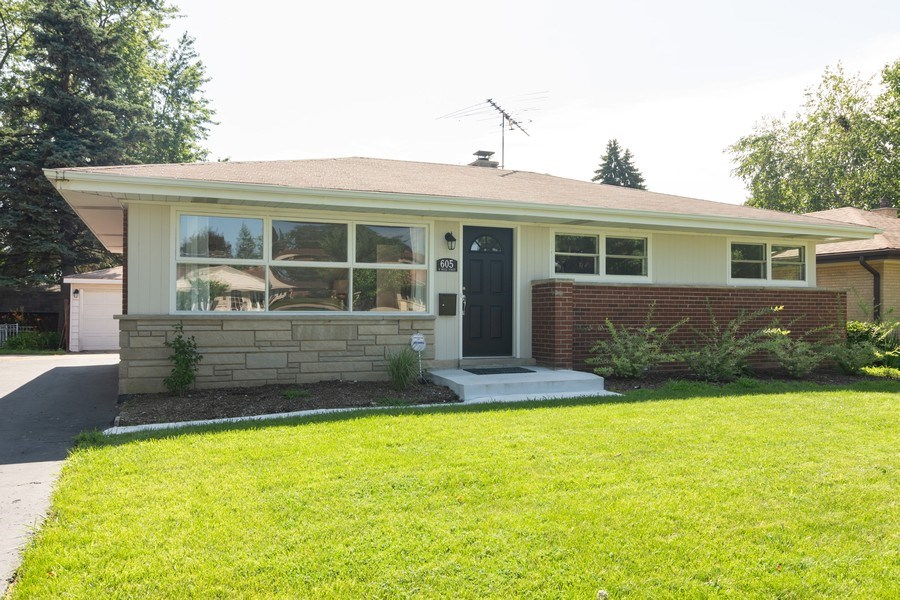 Real Estate Photography - 605 N Wille St, Mount Prospect, IL, 60056 - Front View