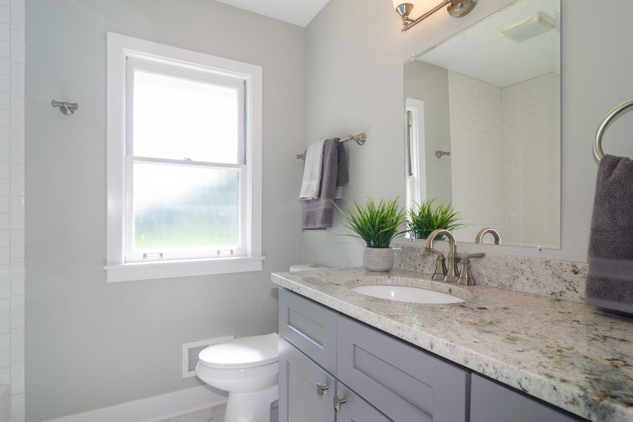Real Estate Photography - 605 N Wille St, Mount Prospect, IL, 60056 - Bathroom