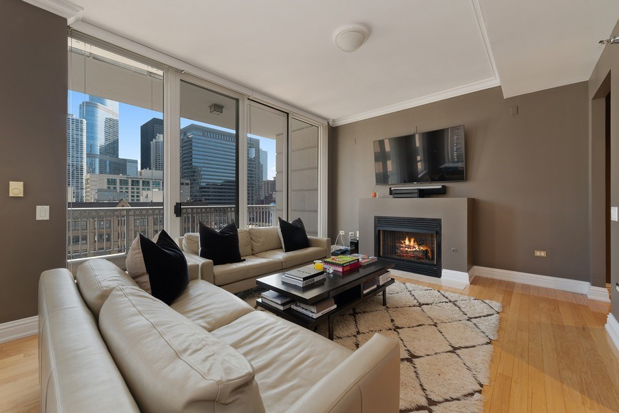 Real Estate Photography - 55 E. Erie St., #1604, Chicago, IL, 60611 - Living Room