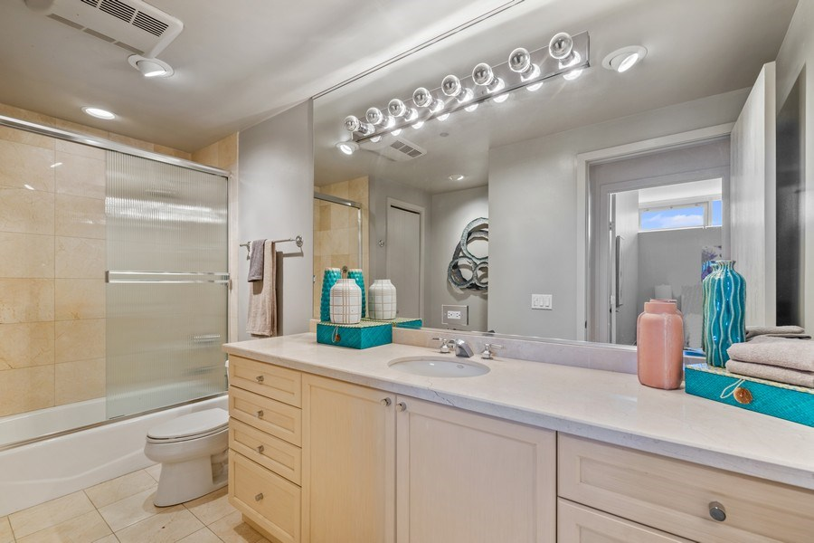 Real Estate Photography - 333 N. Canal, #1804, Chicago, IL, 60606 - Second Bathroom