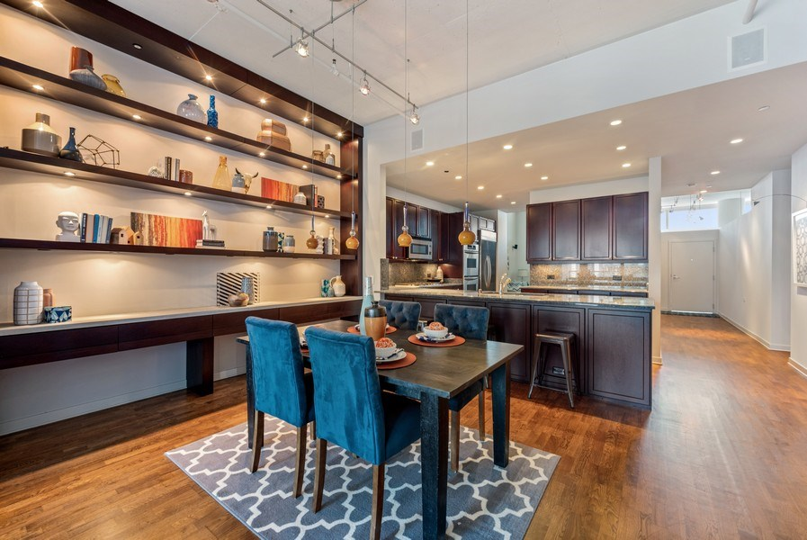 Real Estate Photography - 333 N. Canal, #1804, Chicago, IL, 60606 - Kitchen/Dining