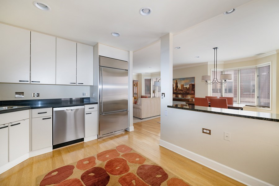 Real Estate Photography - 1740 N. Clark #1730, Chicago, IL, 60614 - Kitchen