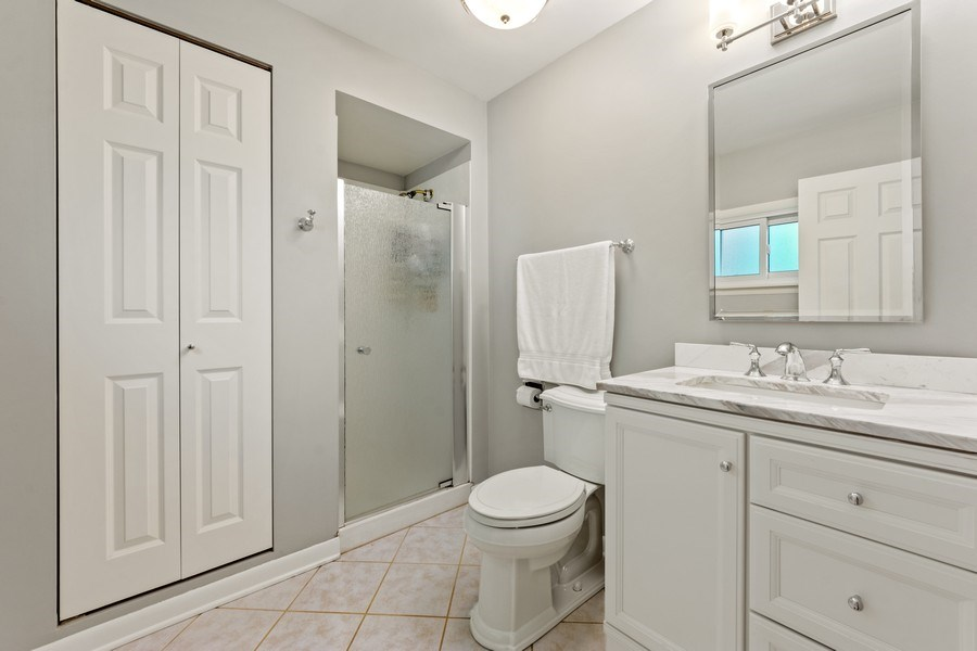 Real Estate Photography - 912 N Drury, Arlington Heights, IL, 60004 - Master Bathroom
