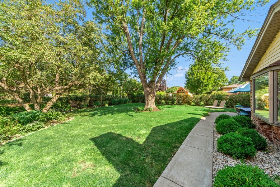 Real Estate Photography - 912 N Drury, Arlington Heights, IL, 60004 - Back Yard