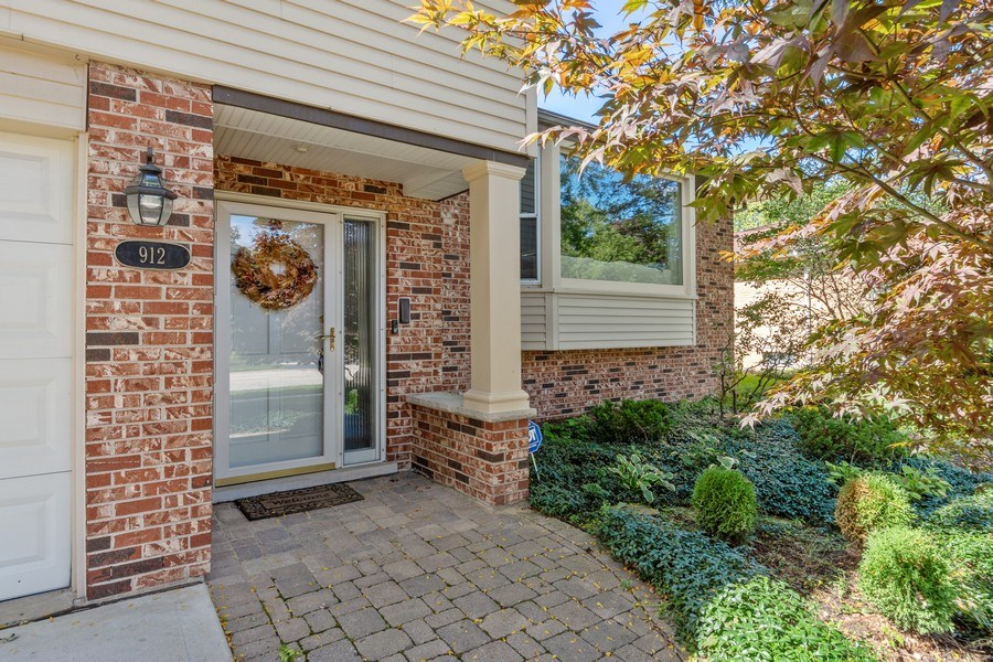 Real Estate Photography - 912 N Drury, Arlington Heights, IL, 60004 - Entryway
