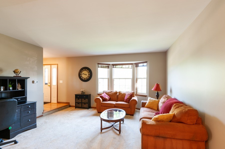 Real Estate Photography - 11 Cambridge Drive, Grayslake, IL, 60030 - Living Room
