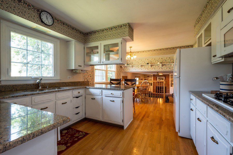 Real Estate Photography - 208 S Evanston Ave, Arlington Heights, IL, 60004 - Kitchen / Breakfast Room
