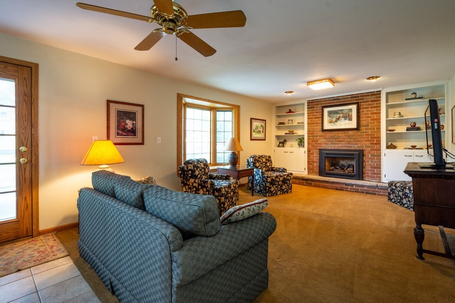 Real Estate Photography - 208 S Evanston Ave, Arlington Heights, IL, 60004 - Family Room