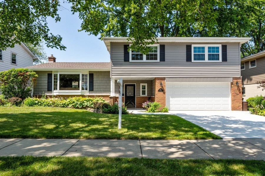Real Estate Photography - 208 S Evanston Ave, Arlington Heights, IL, 60004 - Front View