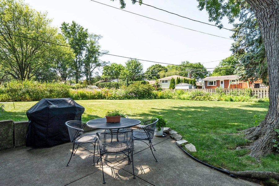Real Estate Photography - 208 S Evanston Ave, Arlington Heights, IL, 60004 - Patio