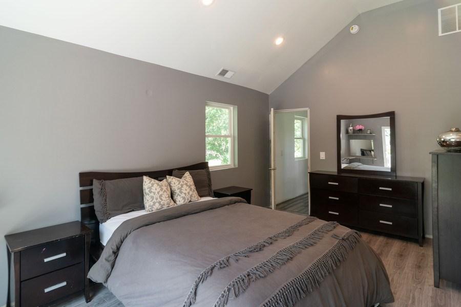 Real Estate Photography - 74 Woodside Road, Riverside, IL, 60546 - Master Bedroom
