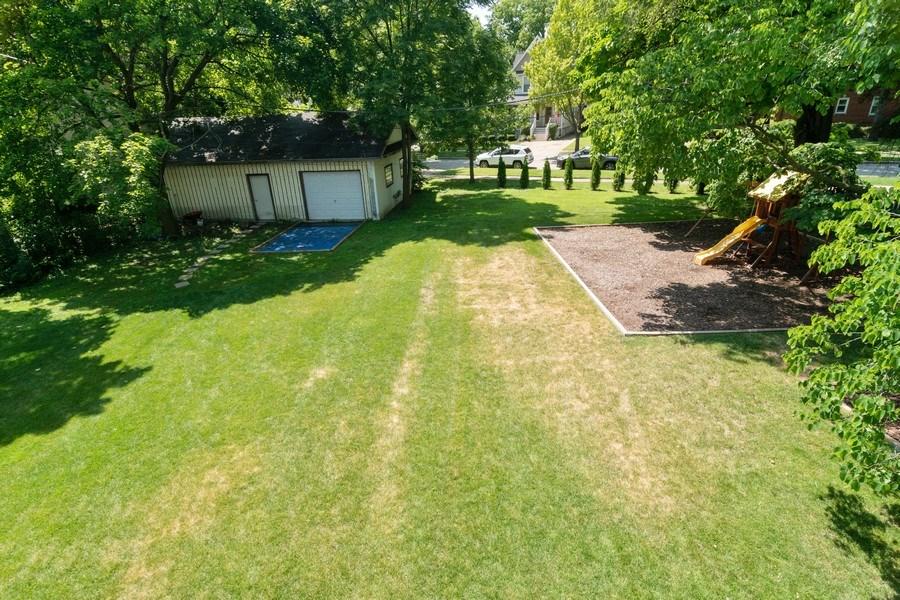Real Estate Photography - 74 Woodside Road, Riverside, IL, 60546 - Back Yard
