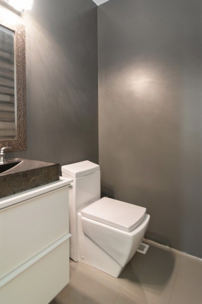 Real Estate Photography - 74 Woodside Road, Riverside, IL, 60546 - Bathroom