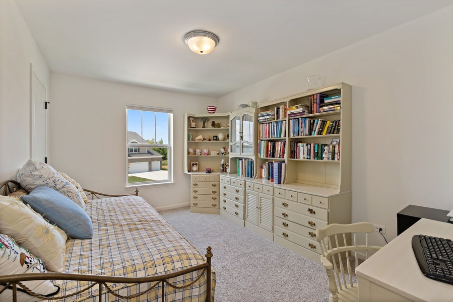 Real Estate Photography - 114 Flint Creek, Hawthorn Woods, IL, 60047 - Bedroom
