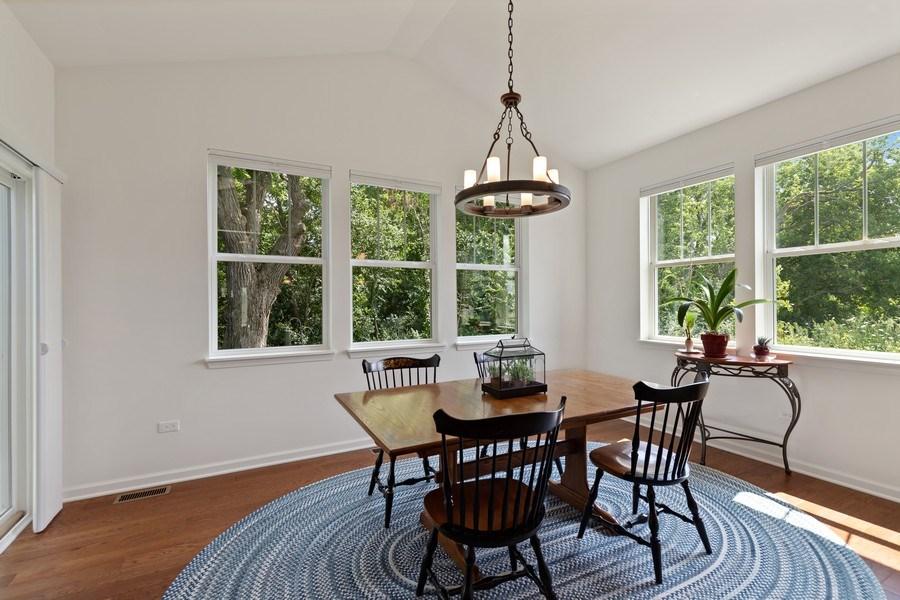 Real Estate Photography - 114 Flint Creek, Hawthorn Woods, IL, 60047 - Breakfast Area