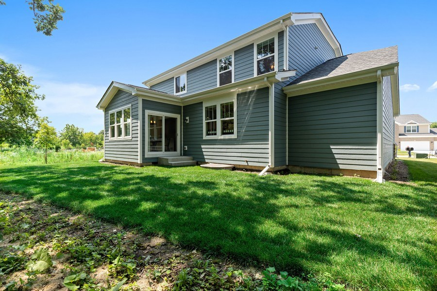 Real Estate Photography - 114 Flint Creek, Hawthorn Woods, IL, 60047 - Rear View