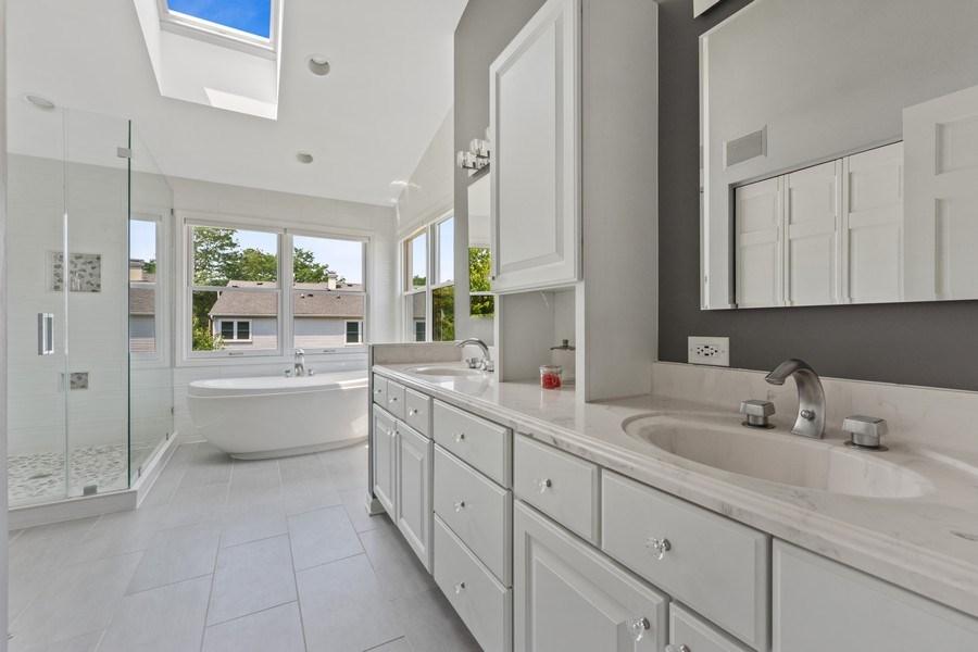 Real Estate Photography - 2630 N Stratford, Arlington Heights, IL, 60004 - Master Bathroom