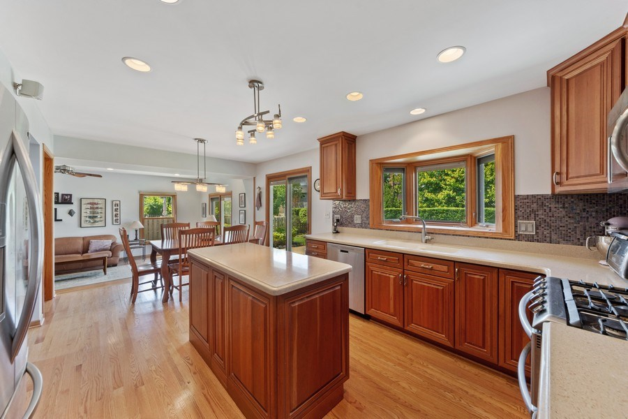Real Estate Photography - 2630 N Stratford, Arlington Heights, IL, 60004 - Kitchen / Breakfast Room