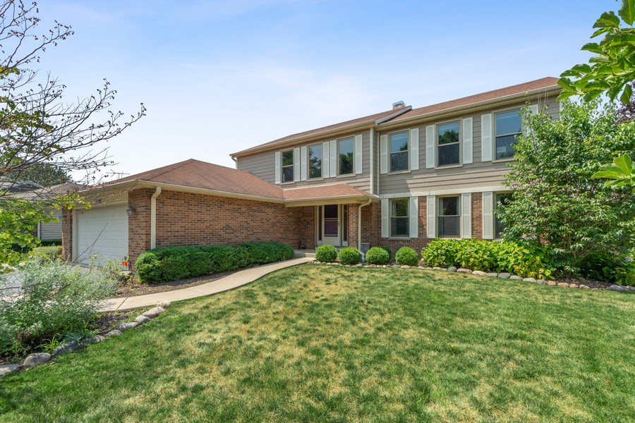 Real Estate Photography - 2630 N Stratford, Arlington Heights, IL, 60004 - Front View