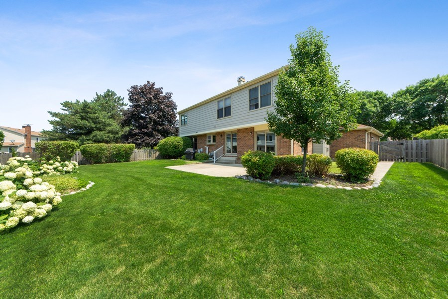 Real Estate Photography - 2630 N Stratford, Arlington Heights, IL, 60004 - Rear View