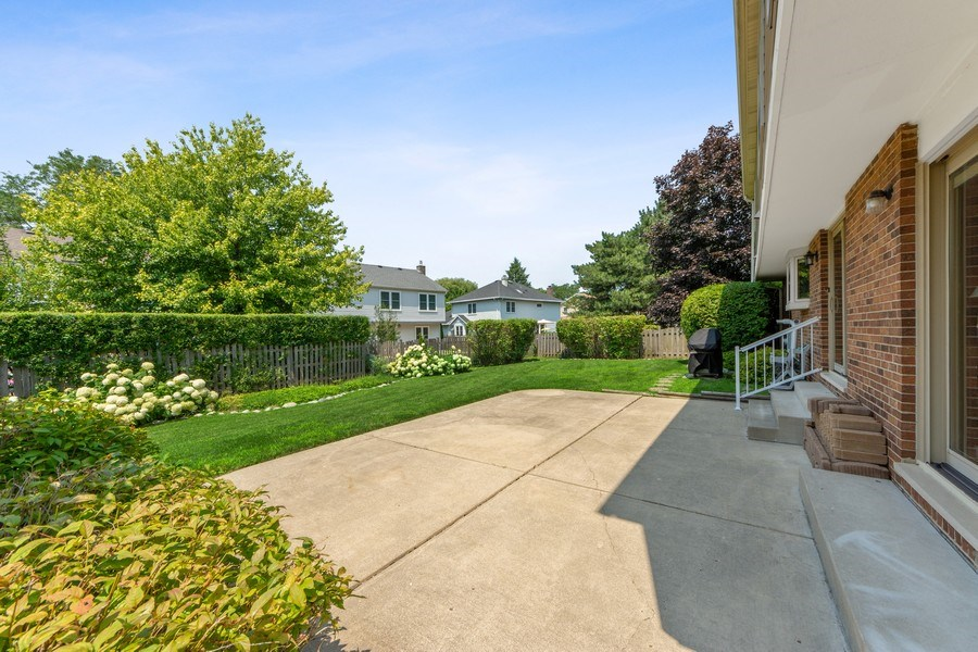 Real Estate Photography - 2630 N Stratford, Arlington Heights, IL, 60004 - Patio