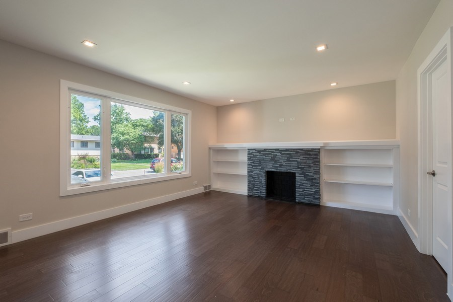Real Estate Photography - 1038 Cherry, Highland Park, IL, 60035 - Living Room